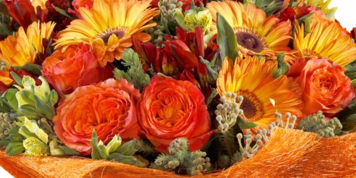Send birthday flowers online with the help of the service from KROKUS studio.