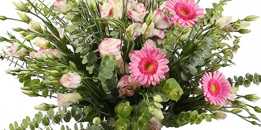 Order cheap same day flower delivery in Riga in the online shop KROKUS