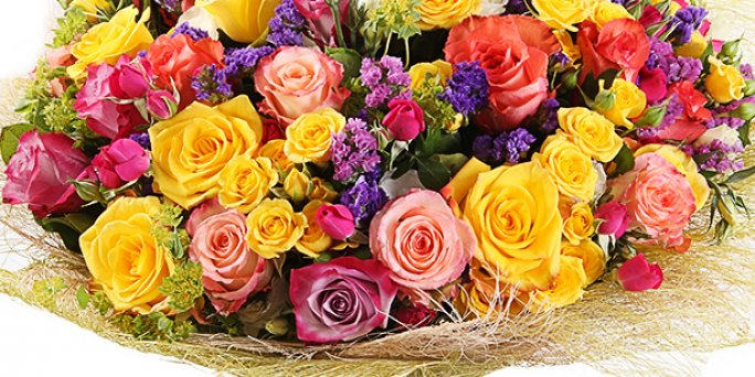 Order mothers day flowers with delivery to any address in Riga and all over Latvia.