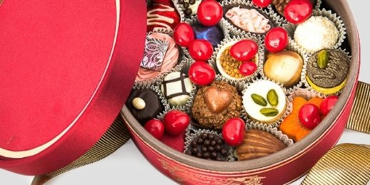 Order mothers day flowers and chocolates with delivery to any address in Riga, Latvia.