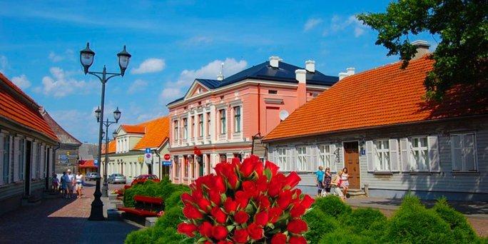 Ziedu piegāde Roja (Latvija). Nopirkt ziedus Rojā