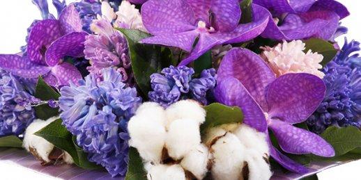 Pasūtiet ziedu pušķi par godu 50. dzimšanas dienai ar piegādi Rīgā un visā Latvijā