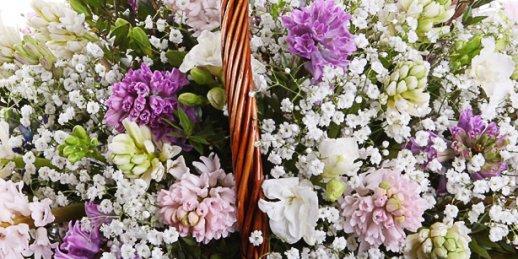 Ziedi Mātes dienā lēti! Pasūtīt ziedus Mātes dienā Rīgā (Latvija)