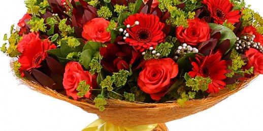 Lēta ziedu piegāde tajā pašā dienā Rīgā un citās Latvijas pilsētās
