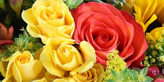 Доставка цветов Рига: Роскошные композиции из цветов – это тренд текущего.