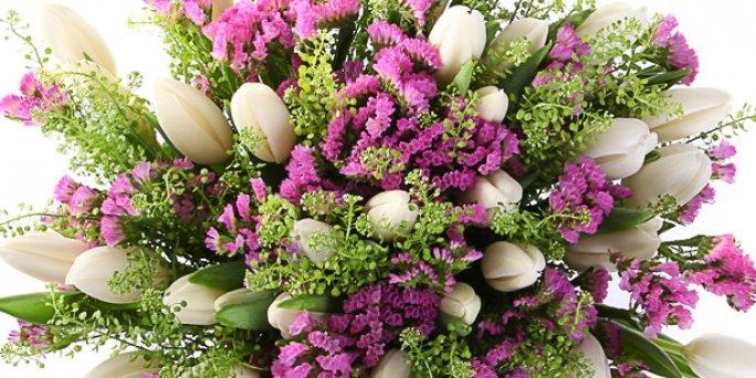 Как приобрести цветы в Риге: фрезии.