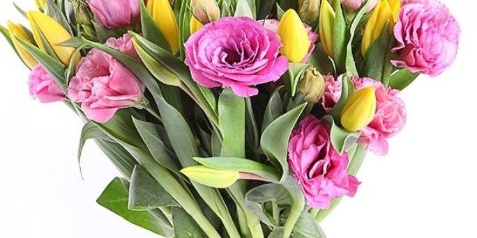 Доставка цветов Рига: Как выбрать увлекательный подарок маме?