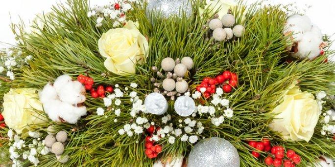 Что купить и где заказать цветы с доставкой в Риге: настольные композиции.