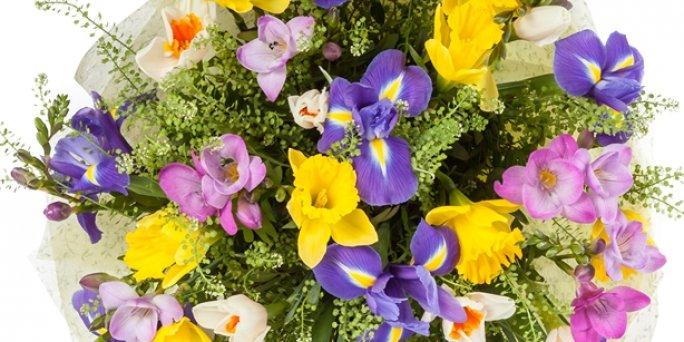 Заказ цветов Рига: Как выбрать впечатляющий подарок начальнице?