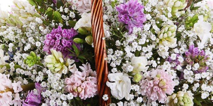 Заказать цветы в Риге: сердце из роз - Точка зрения фитодизайнеров.