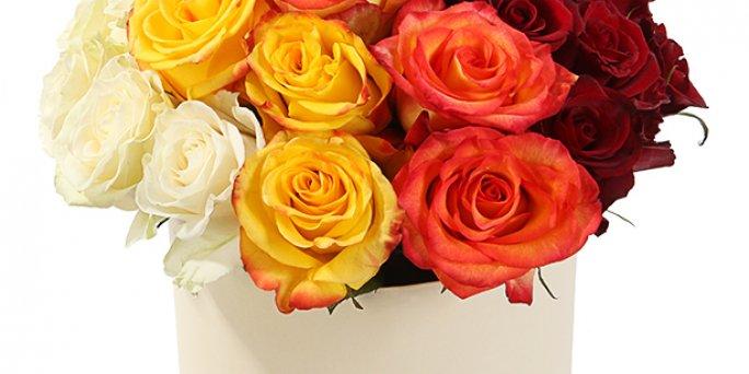 Как подарить клетка украшенная цветами в Риге: цена доставки.