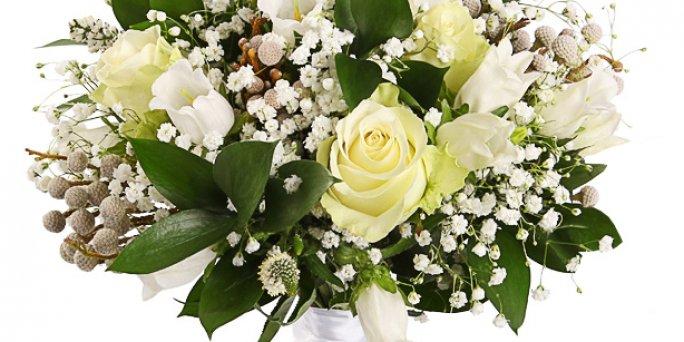 Доставка цветов Рига: Какие цветы купить сыну?