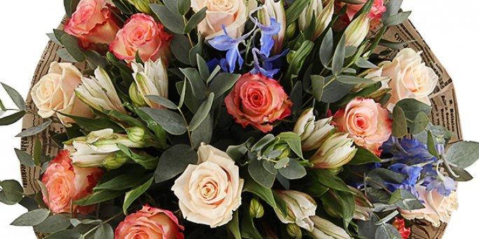 На теперешний день не секрет, что традиция дарить букеты из красных роз бесповоротно вошла в нашу жизнь.