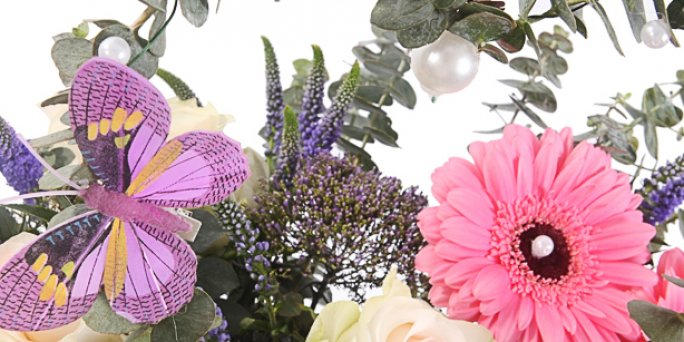 Заказ цветов Рига: Наиболее оригинальные факты о фитодизайне.