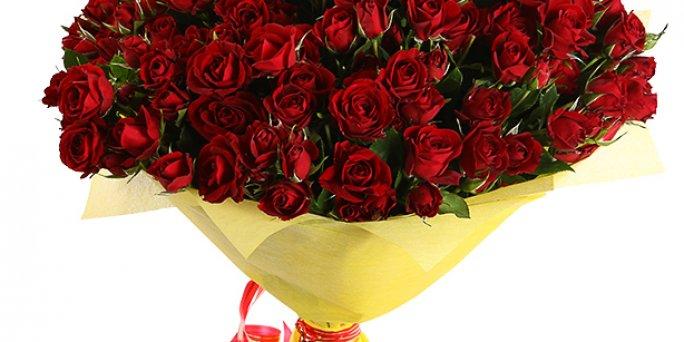Заказать цветы в Риге: букет цветов девушке.