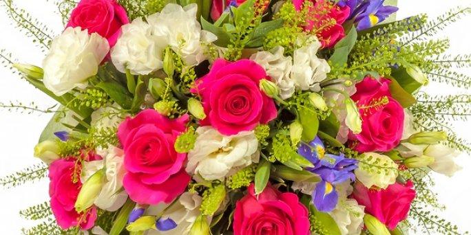 Доставка цветов Рига: Оригинальные букеты – это тренд сезона.