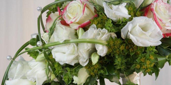 Как преподнести цветы в Риге: розы на заказ.