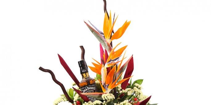 Заказать цветы в Риге: букет из разноцветных роз.