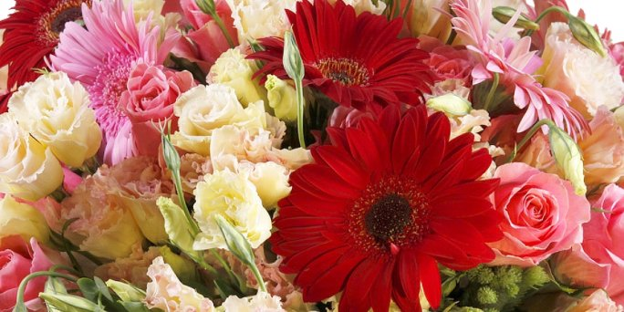 Что выбрать и как купить цветы в Риге: букеты из розовых роз.