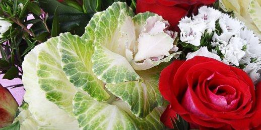 Заказ цветов Рига: цветы в подарок женщине.