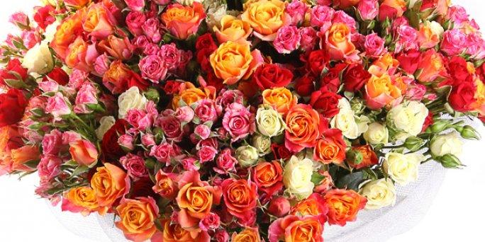 Как купить цветы в Риге: цветы в шляпных коробках.