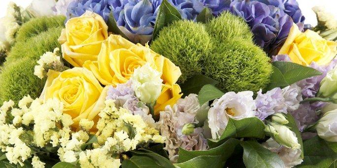 Где заказать цветы в Риге: мужские букеты .