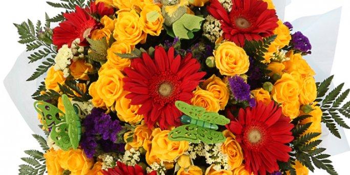 Заказ цветов Рига: Как выбрать запоминющийся подарок начальнице?