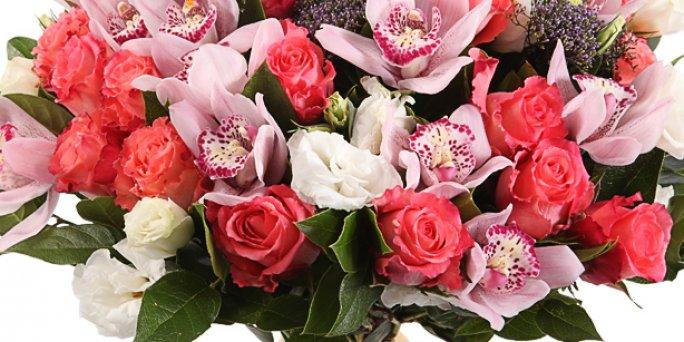 Появилось побуждение заказать цветы для жены?