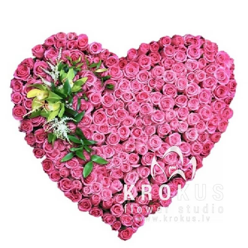 Картинка с сердцем из цветов, осенние открытка