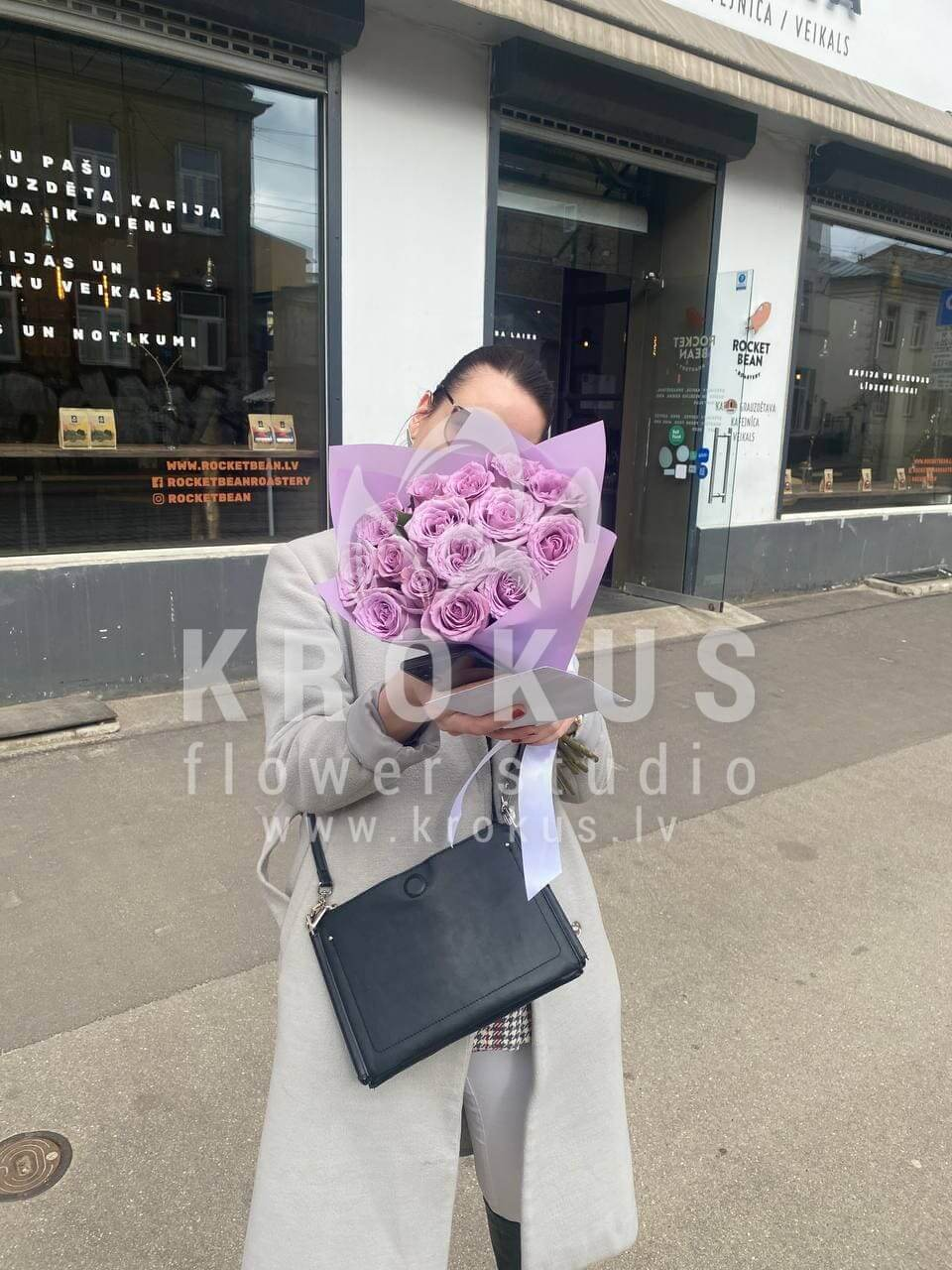 Deliver flowers to Rīga (purple roses)